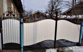 Забор из профнастила своими руками: преимущества ограждения участка