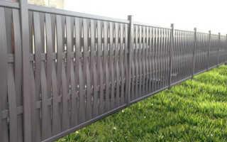 Как правильно подобрать забор из пластика ПВХ на дачный участок