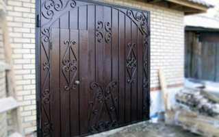 Кованые гаражные ворота: особенности создания и установки с элементами ковки