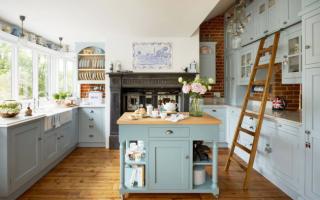 Деревенский стиль в интерьере кухни загородного дома